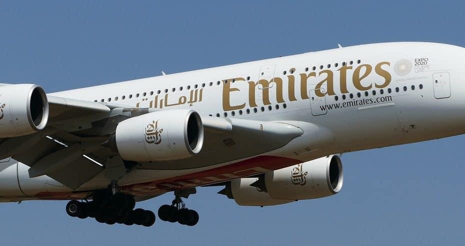 cuanto cuesta la comida de emirates