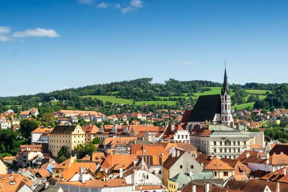 se podra viajar a la republica checa este verano