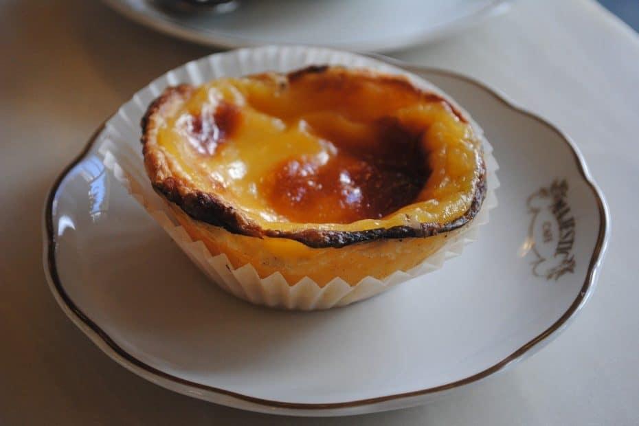 postres tipicos de portugal, pastel de nata o pastel de belem