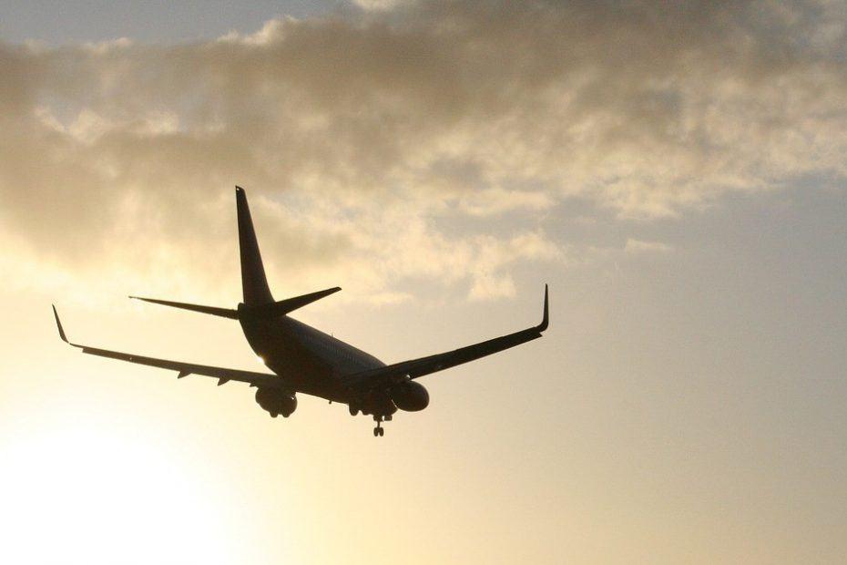 telefono aeropuerto internacional de los angeles
