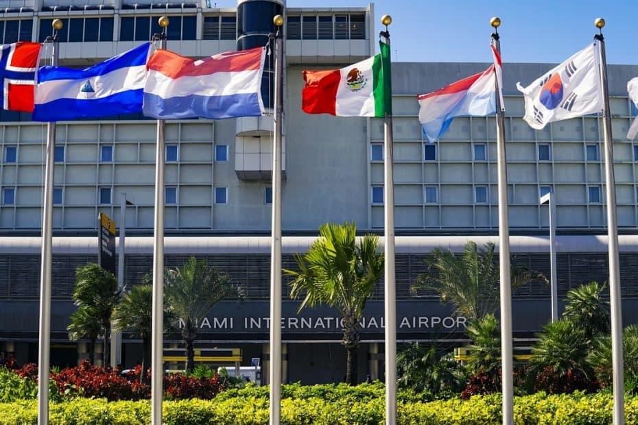 telefono aeropuerto internacional de miami