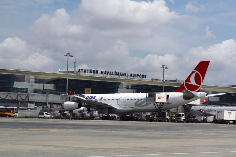 Teléfono del Aeropuerto de Estambul Ataturk