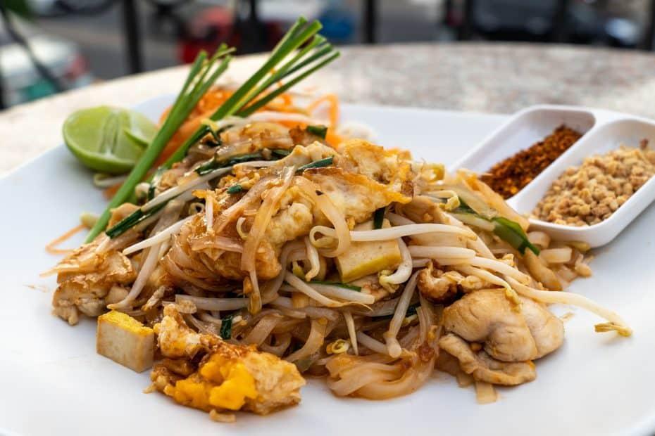 cuanto cuesta comer en tailandia