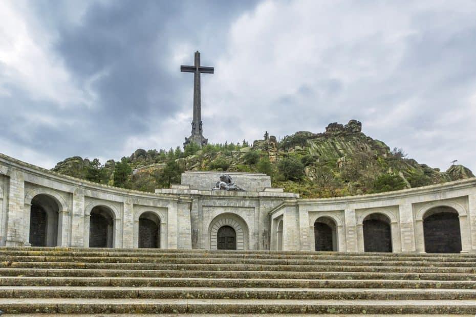 ¿Dónde está enterrado Franco?