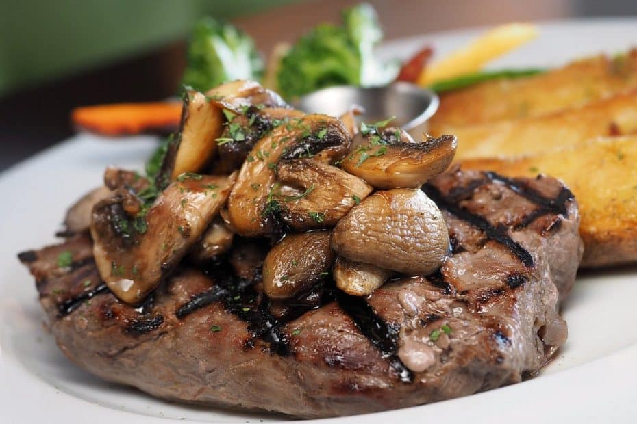 Bar Carallo y plato de carne