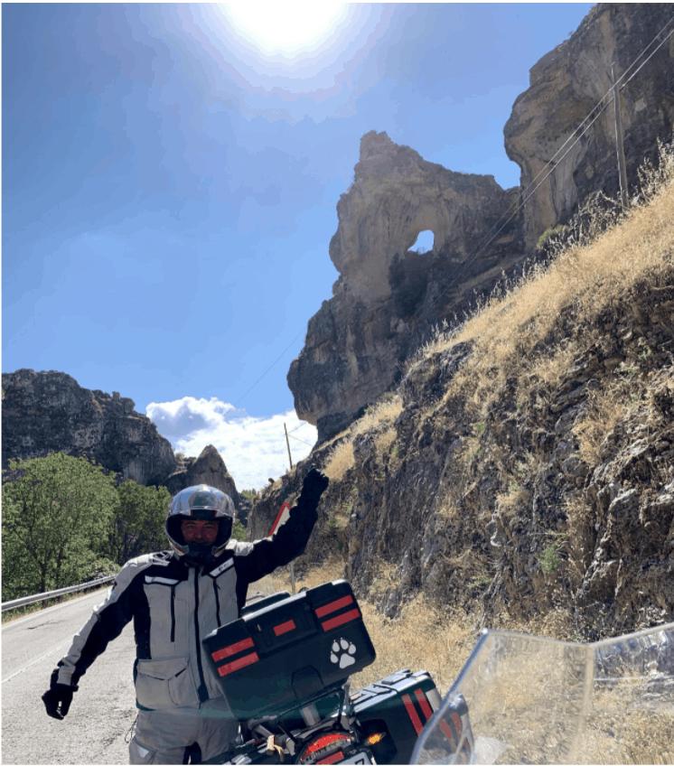 ruta en moto por el nacimiento del rio segura
